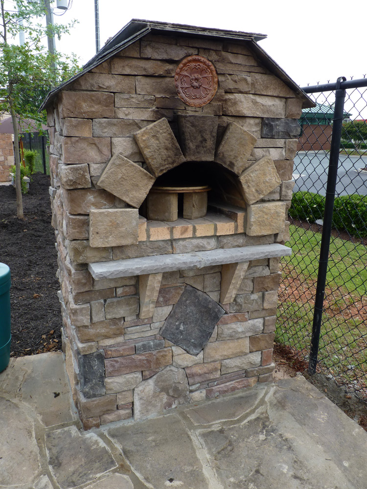 Pictures Of Outdoor Kitchens With Pizza Ovens